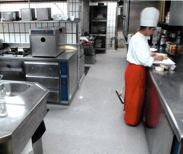 Industrieboden Und Bodenbeschichtung Fur Gastronomie Kuche Und Kantine